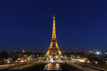 billets-coupe-file-tour-de-la-tour-eiffel-de-nuit-in-paris-404583